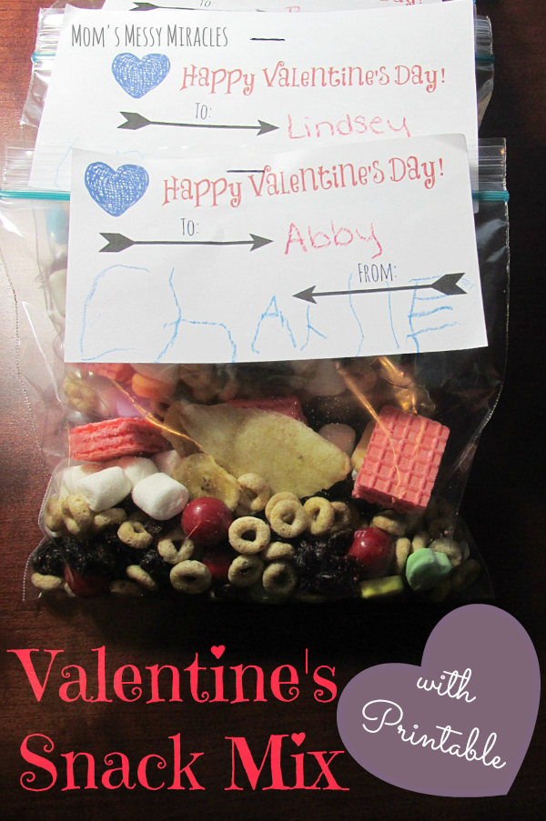 Valentine's Snack Mix with a free printable for your tags!
