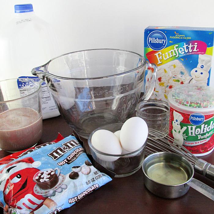 Baking Mini Holiday Hot Chocolate Cakes