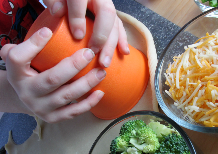 Cutting Circles Mini Quiches Mini Chef