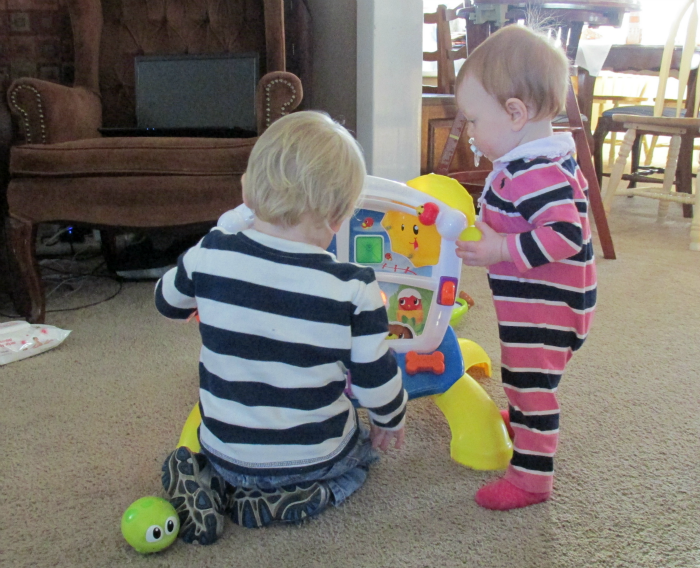 Bright Starts Playdate Learn & Giggle Activity Station