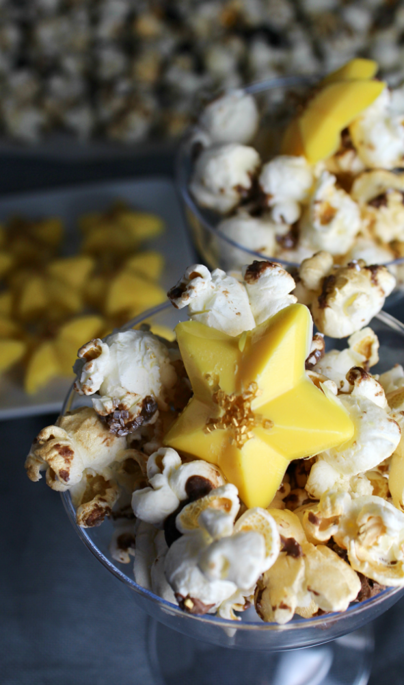 Every party needs popcorn! We made a simple glitter and gold popcorn with golden candy stars!