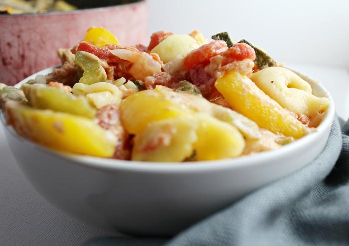 Skillet Cheesy Chicken & Veggie Tortellini