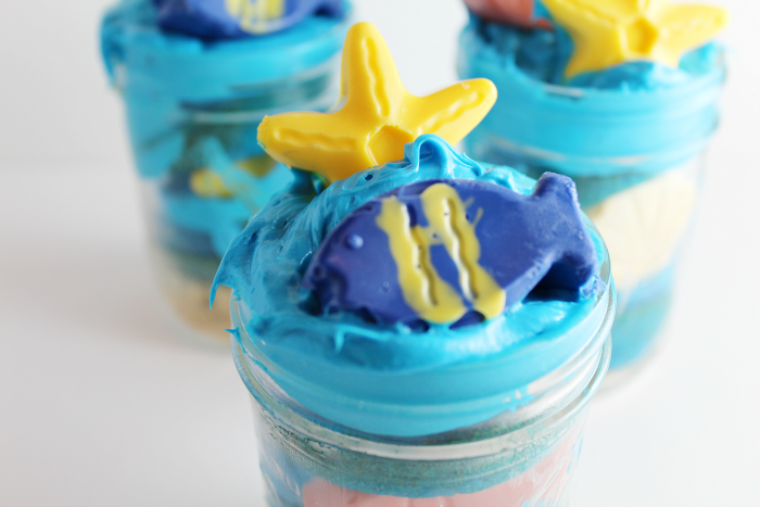 Finding Dory Cupcakes in a Jar