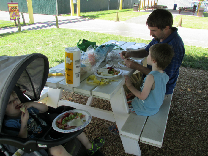 Picnic lunch at Dutch Wonderland