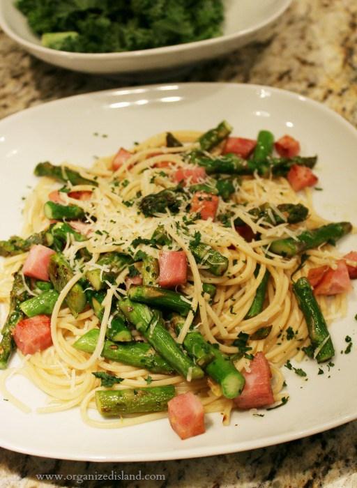 Ham-with-spaghetti-noodles-asparagus