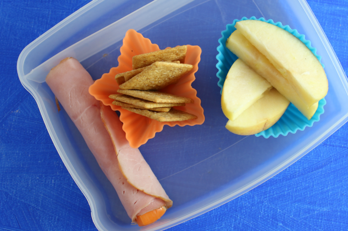 ham cheese roll up crackers apples lunch