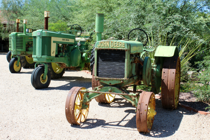 john-deere-tractors-at-windmill-winery