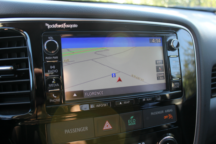 maps-touchscreen-mitsubishi-outlander