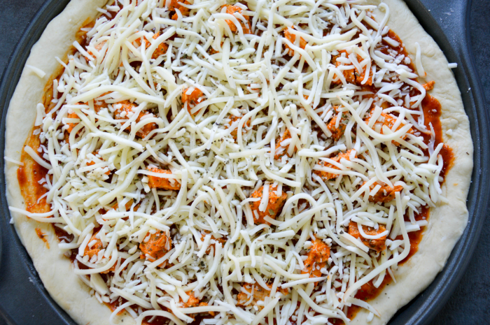 buffalo-chicken-pizza-before-baking