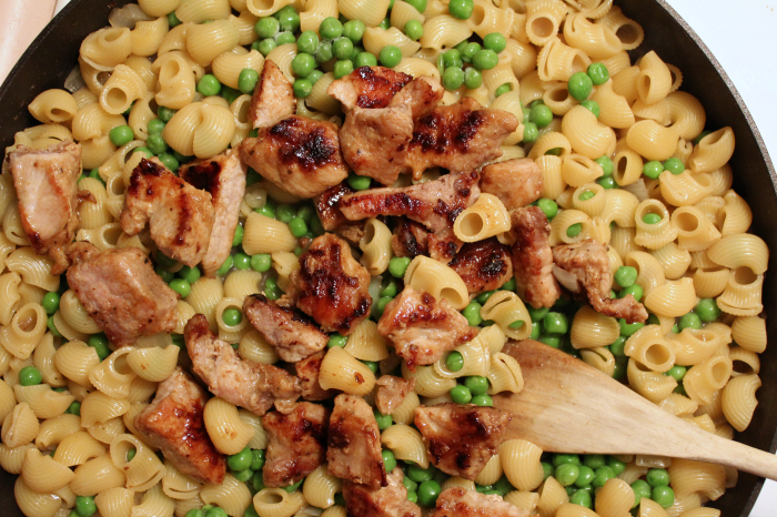 cooking-pork-mac-and-cheese