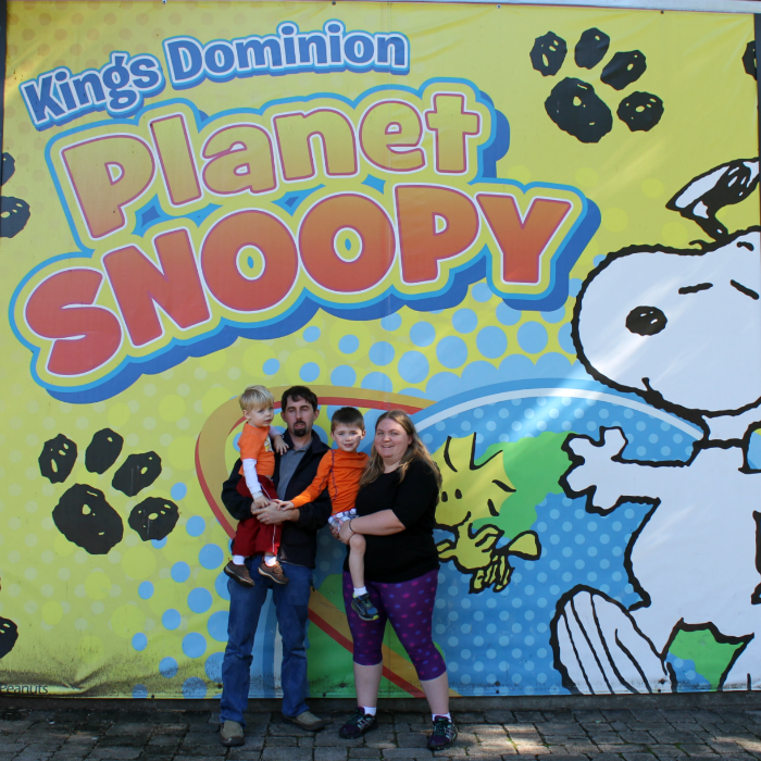family-picture-at-planet-snoopy
