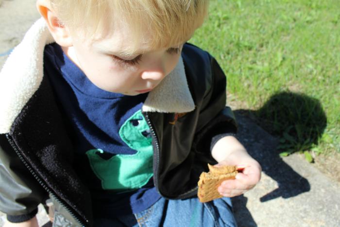 pbj-snack-outside