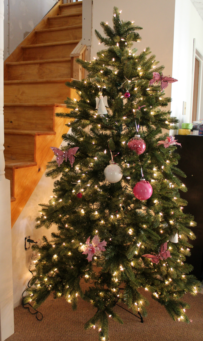 tree-classics-breast-cancer-awareness-tree