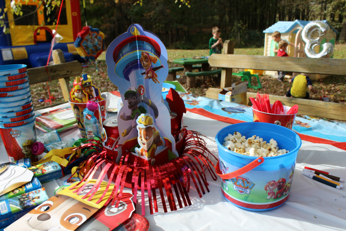 paw-patrol-birthday-party-table-decoration