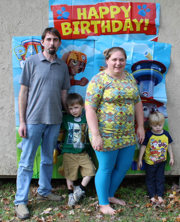 paw-patrol-birthday-family-picture