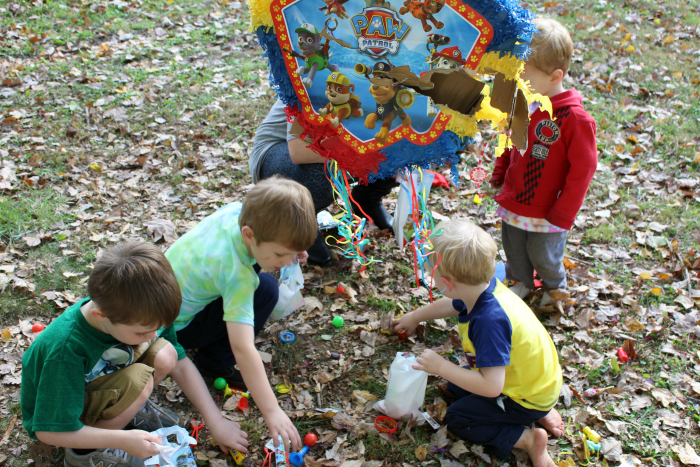 paw-patrol-pinata-with-favors